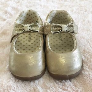 Carter's Every Step Mary Jane Golden Shoe Size 4.5